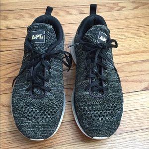 APL Techloom Pro Black Gold Metallic Sneakers